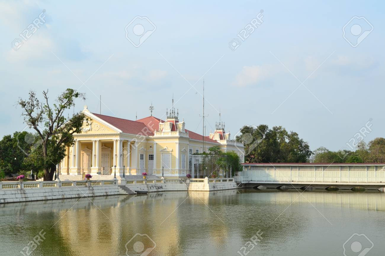 Bang Pa-In Palace in  Ayutthaya  Province,Thailand . Stock Photo - 13096880