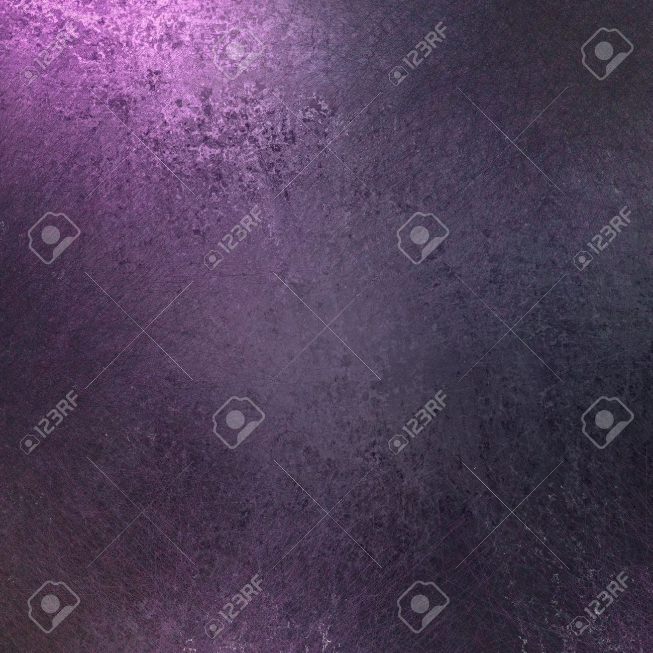 deep purple background color with old worn grunge texture and soft lighting with copy space Stock Photo - 12623983