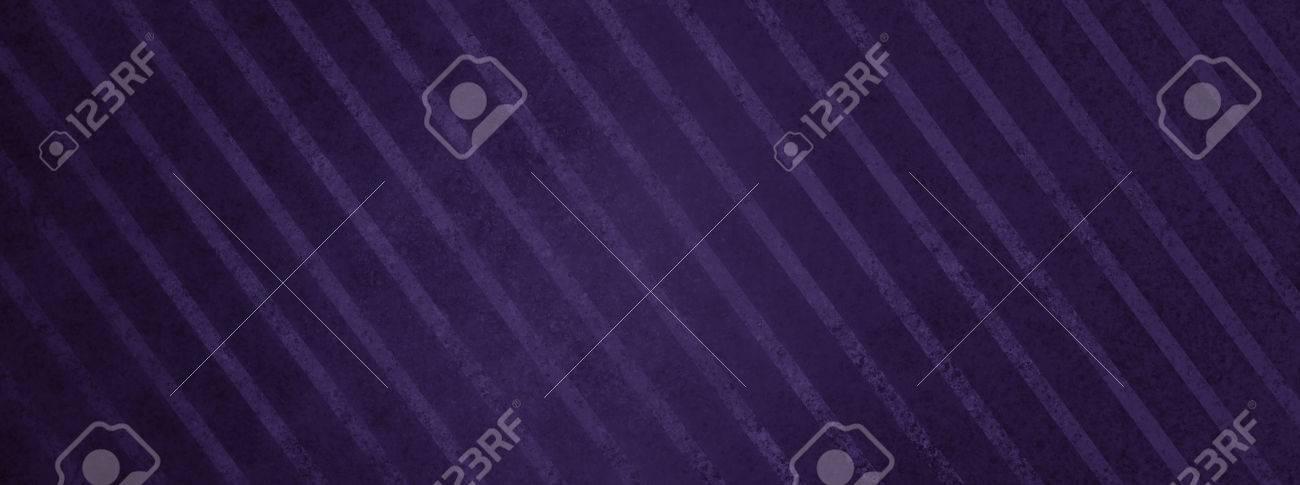 Gran Fondo De Rayas De Color Púrpura Oscuro Con Textura De La ...