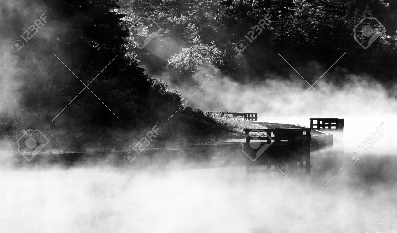Morning fog on Spruce Knob Lake, Monongahela National Forest, West Virginia Stock Photo - 19126621