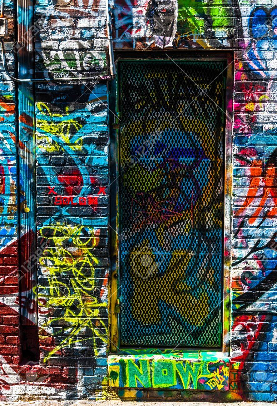 Graffiti wall baltimore - Graffiti On Walls And Door In Graffiti Alley Baltimore Maryland Stock Photo