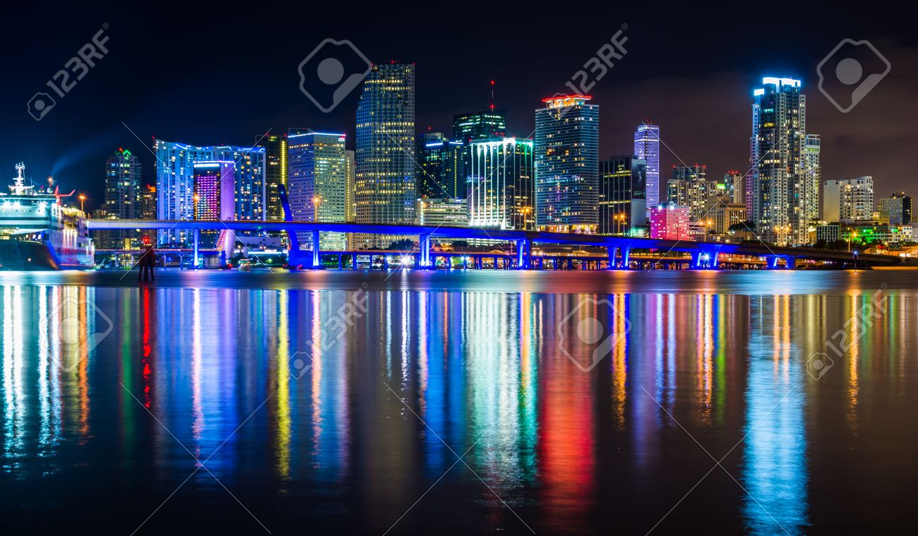 Miami Skyline At Night Wiring Diagrams Arduinor39like Pro Mini Pinout Diagram By Adlerweb On Deviantart The Seen From Watson Island Florida Rh 123rf Com San Francisco