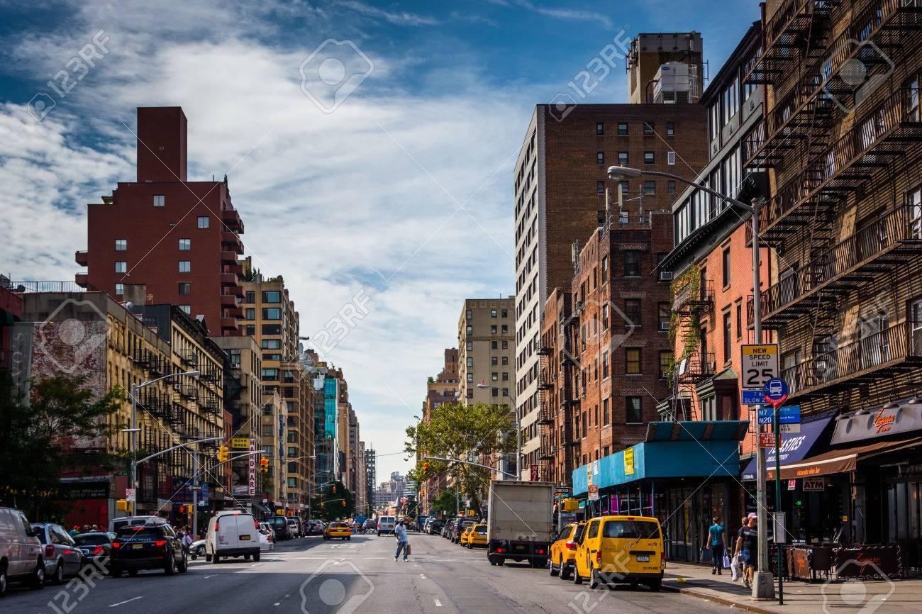 7 番街、第 23 通りマンハッタン、ニューヨークから見た。 の写真素材 ...