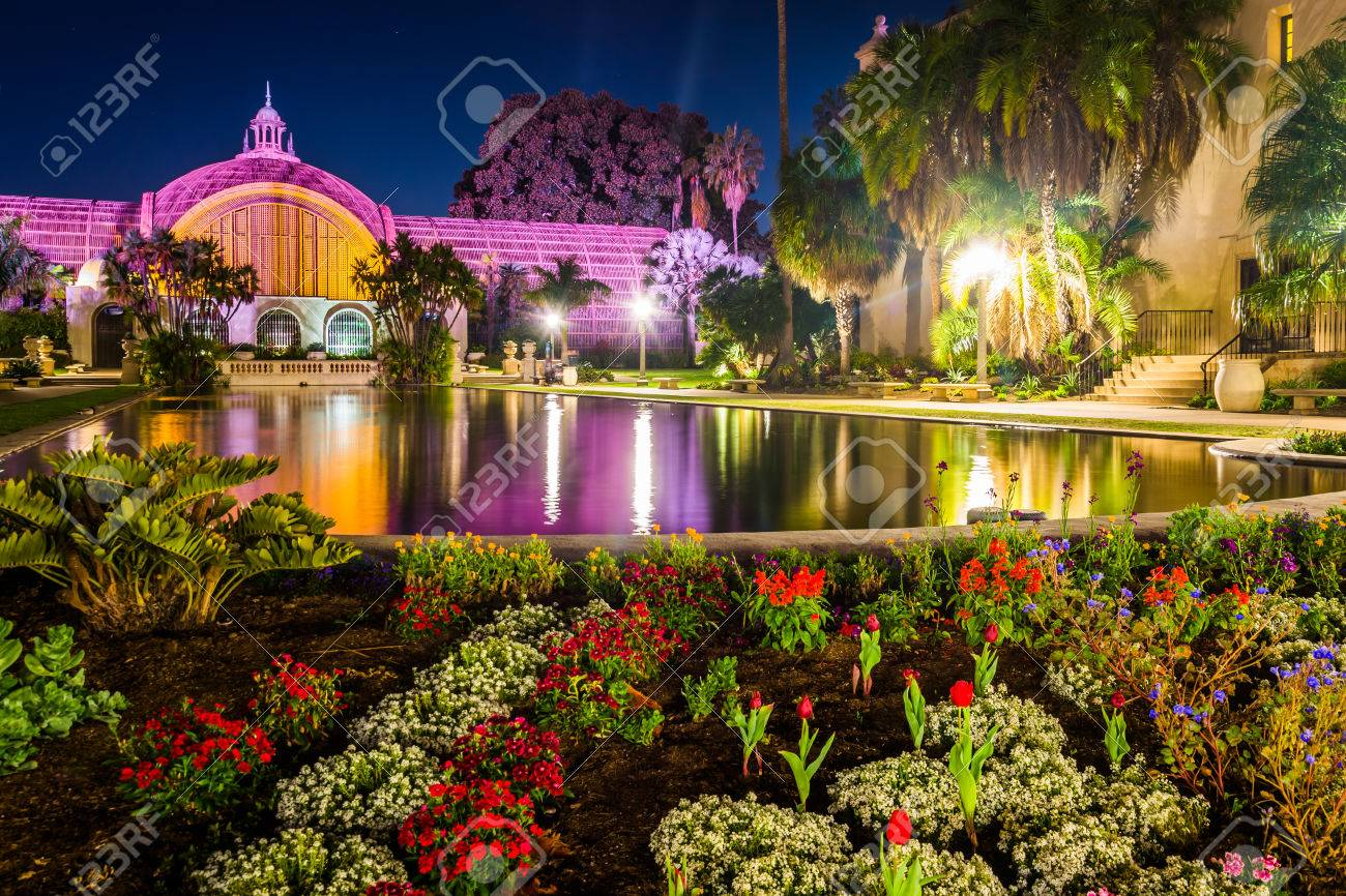 The Botanical Building And Lily Pond At Night, In Balboa Park ...