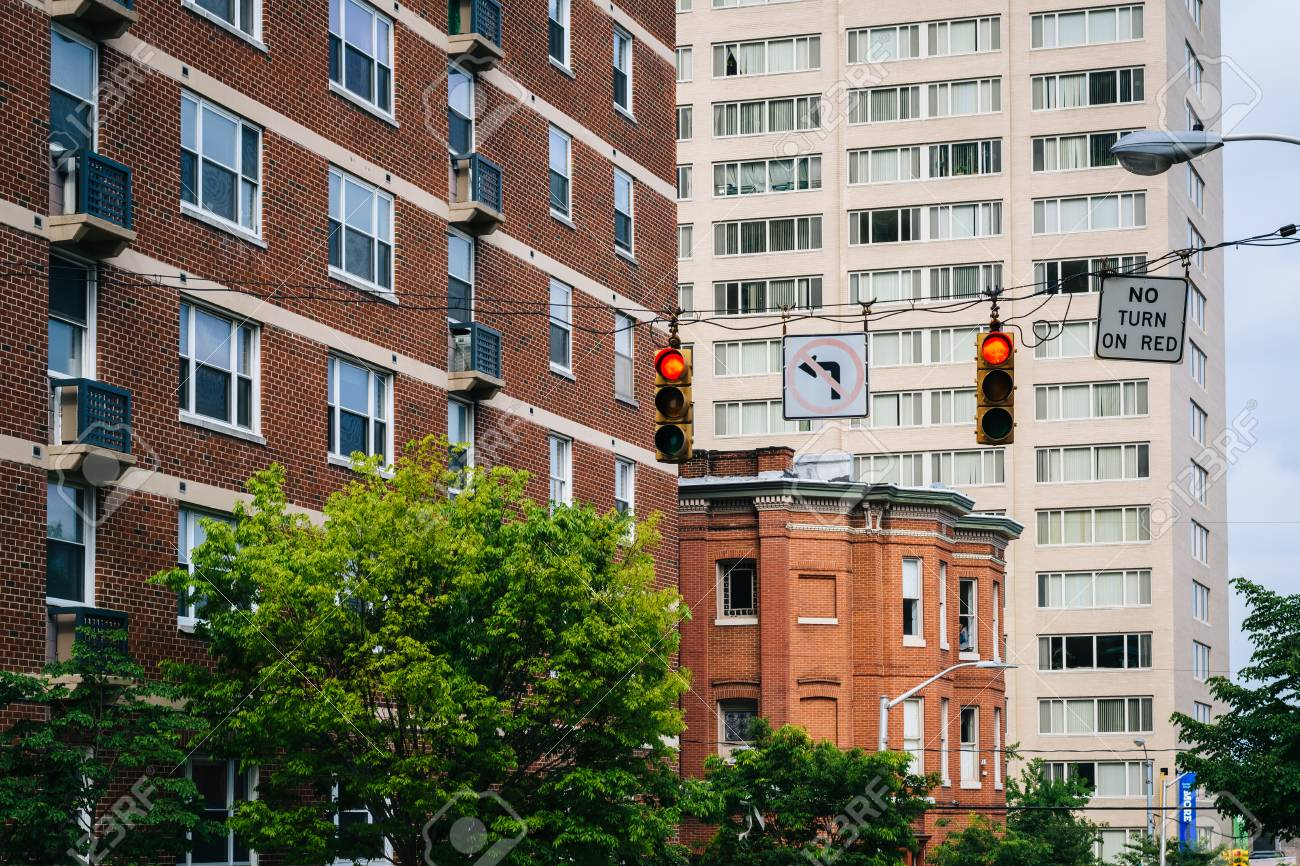Buildings Along Calvert Street In Mount Vernon, Baltimore, Maryland. Stock  Photo   73522262