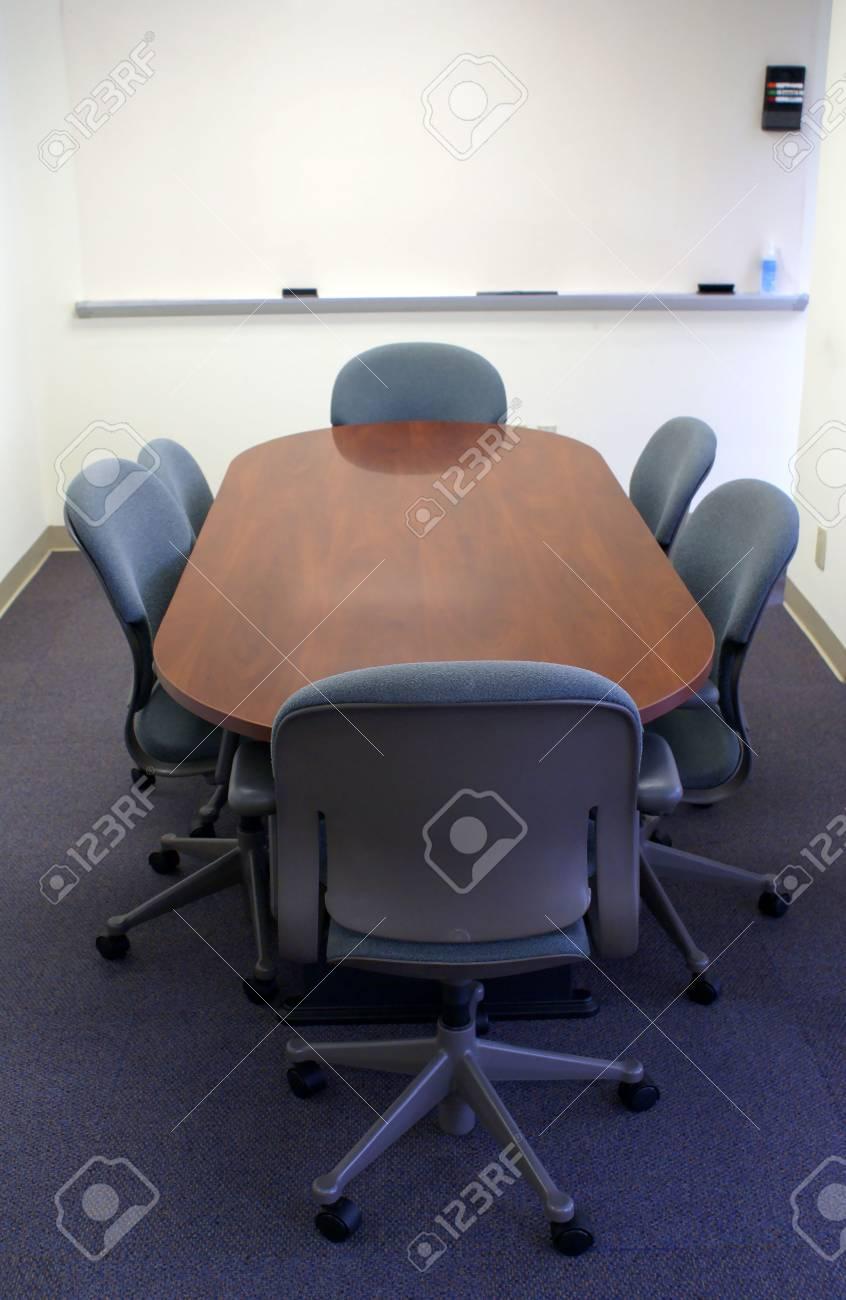 Immagini Stock - Riunione O Tavolo Da Conferenza Di Attesa Per I ...