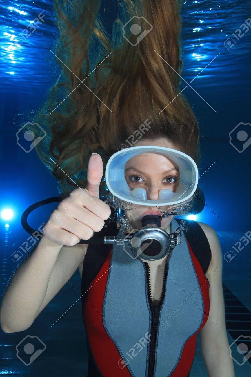Gorgeous Woman Scuba Diver Woman Scuba Diver Show Hand