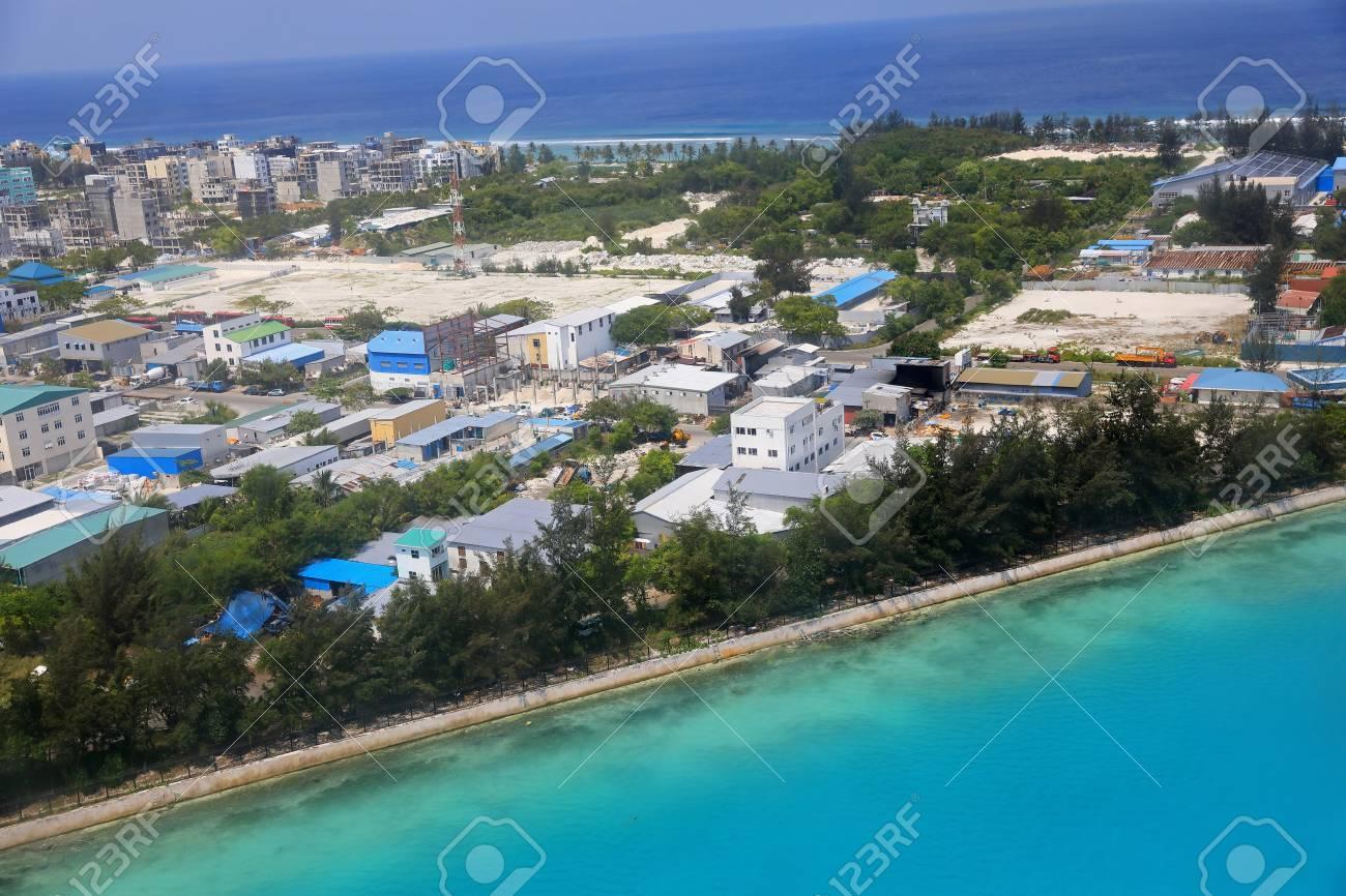 Aeroporto Male Maldive : Aerial view of the airport island in the maldives stock photo