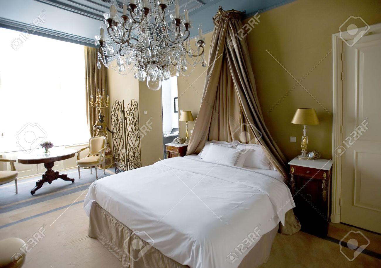 Hotel camera da letto in stile classico interni