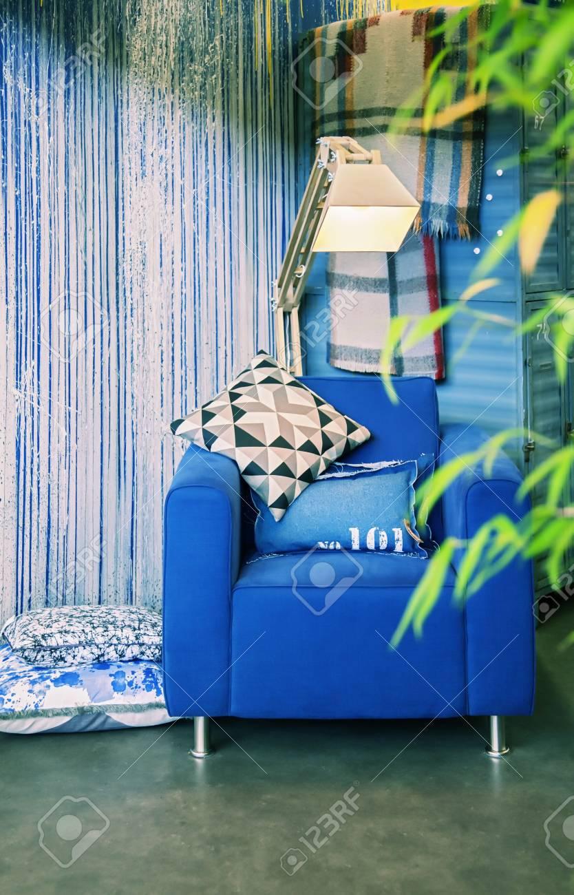 Stuhl In Der Zeitgenössischen Home Interior Lizenzfreie Fotos ...