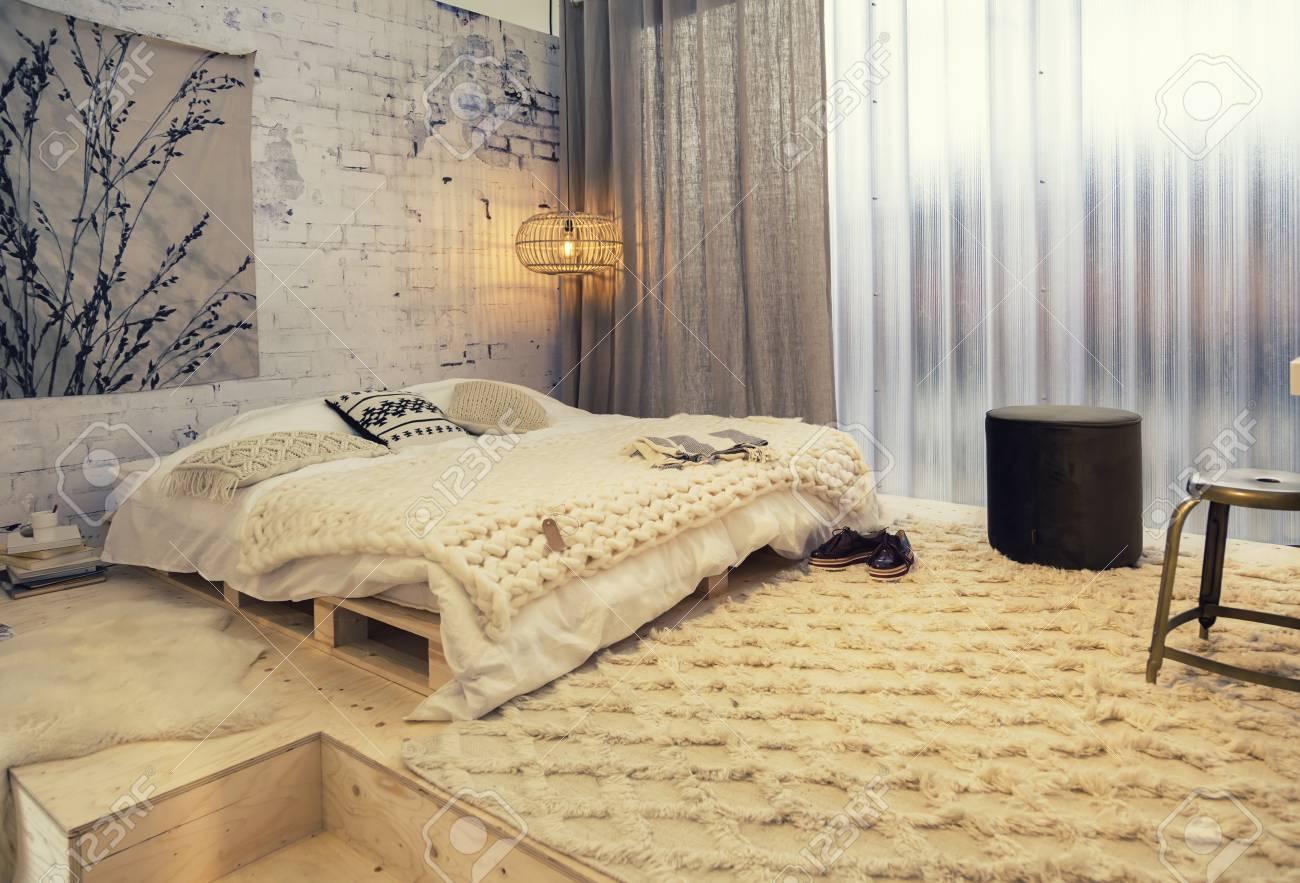 Détail de la chambre dans le style campagnard