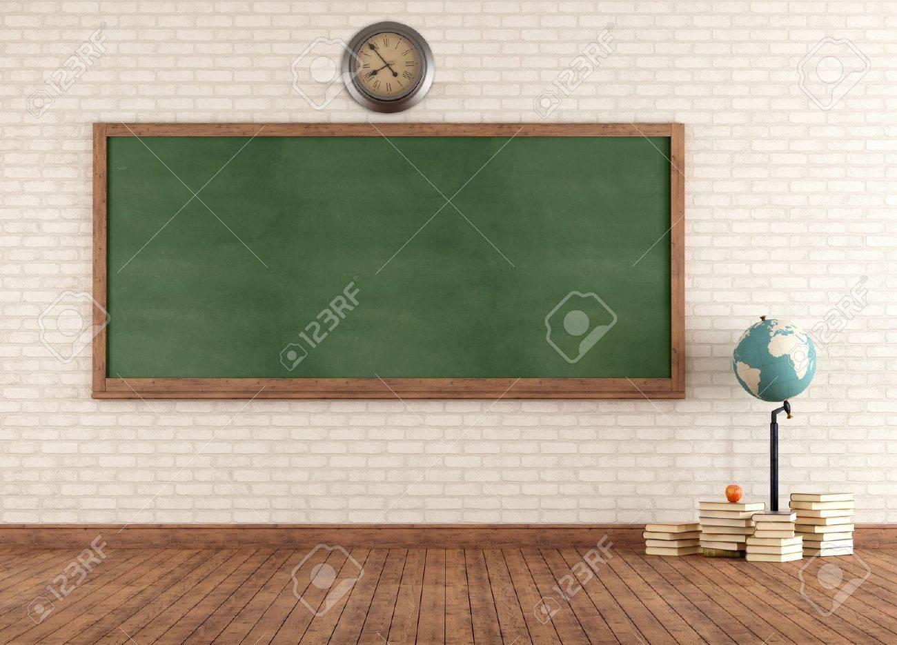 Verrassend Leere Klassenzimmer Mit Vintage Grünen Tafel Gegen Mauer JG-11