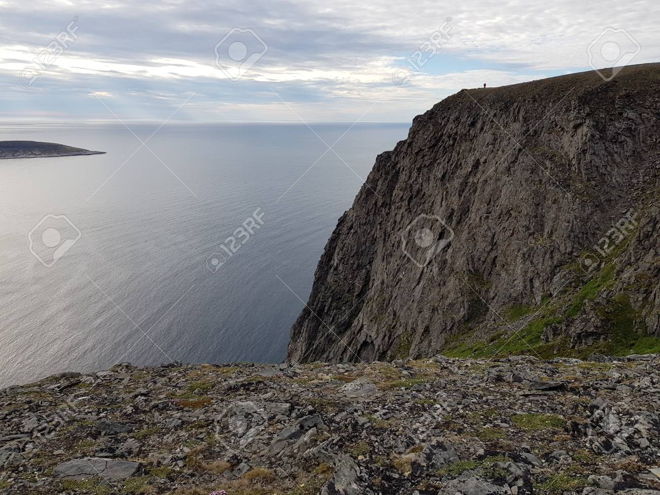 Beautiful ocean and cliff view from the north cape, northern norway Stock Photo - 104923963