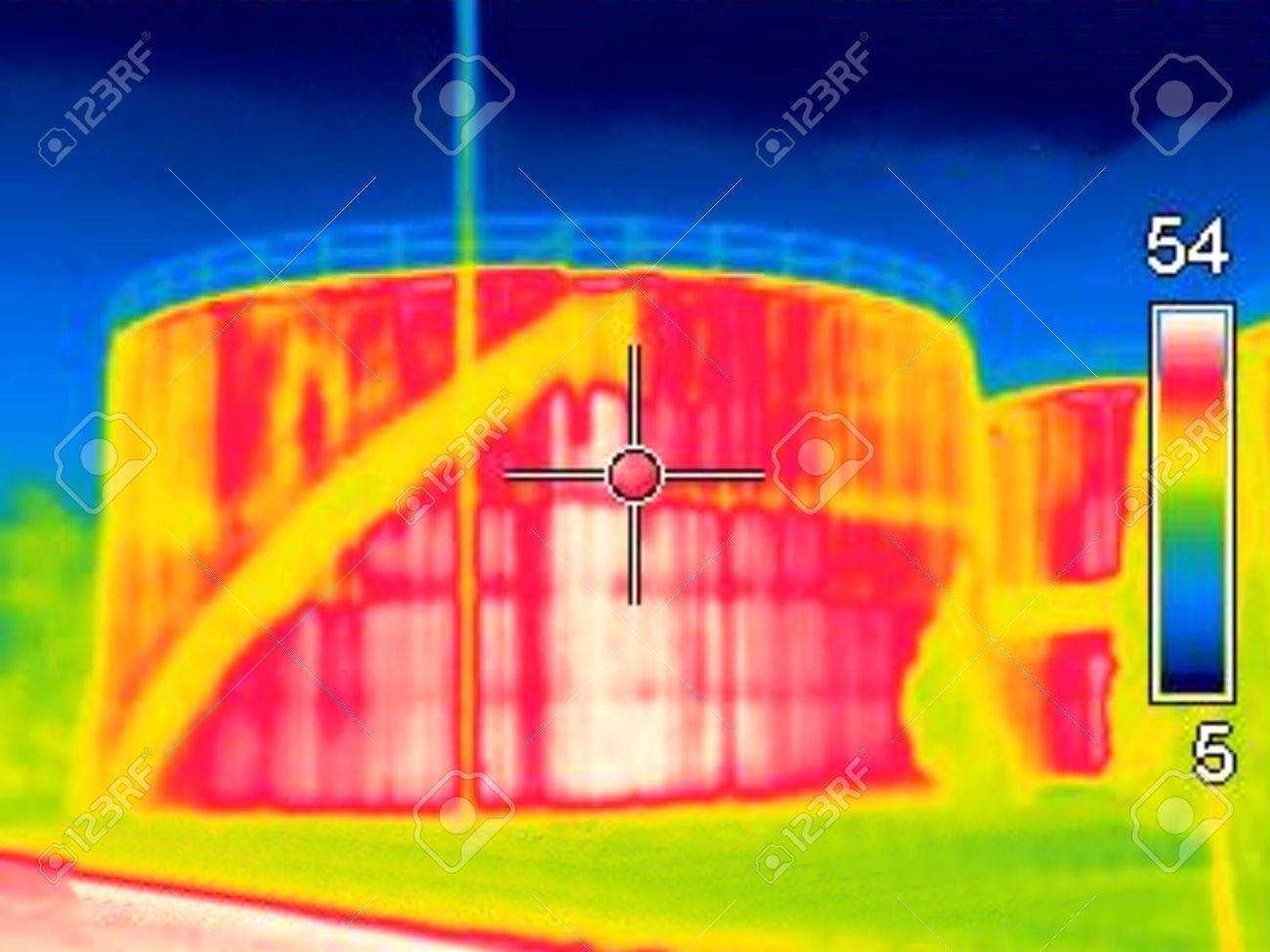 Thermogaphic image of a oil tank Stock Photo - 9116438