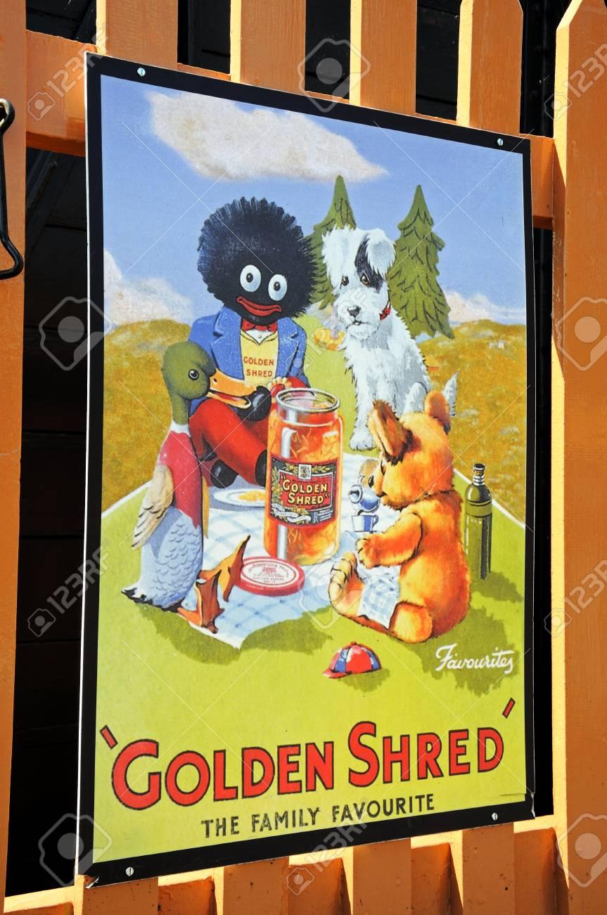 Hampton Loade, Royaume-Uni - 5 Juin, 2014 - Le Rétro Or Shred Affiche  Marmelade De L annonce à La Station De Chemin De Fer, Hampton Loade,  Shropshire, ... bc40f7aaf924
