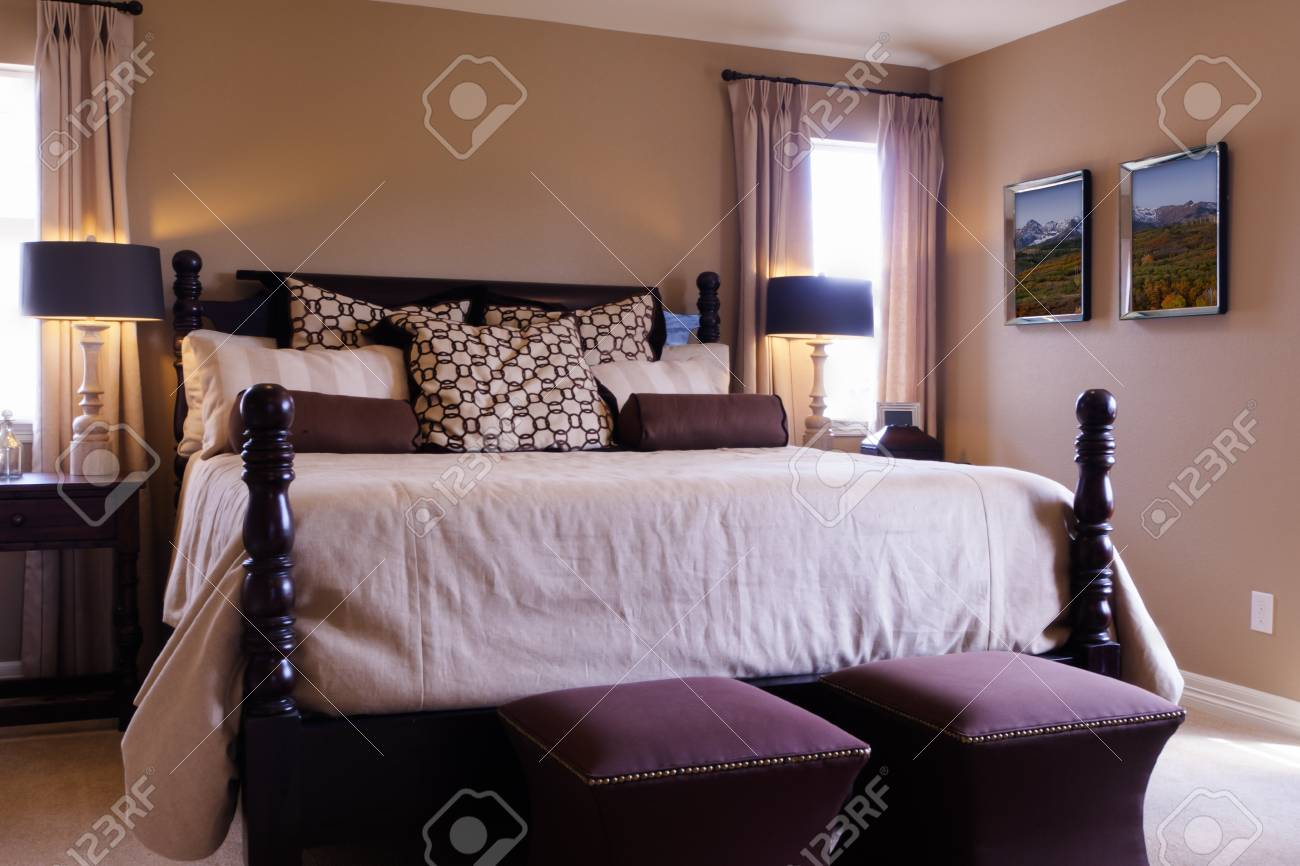 Modern master bedroom with king size bed. Stock Photo - 15079354