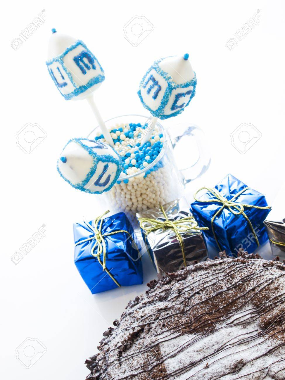 Flourless Chocolate Cake with Star of David for Hanukkah. Stock Photo - 15944025