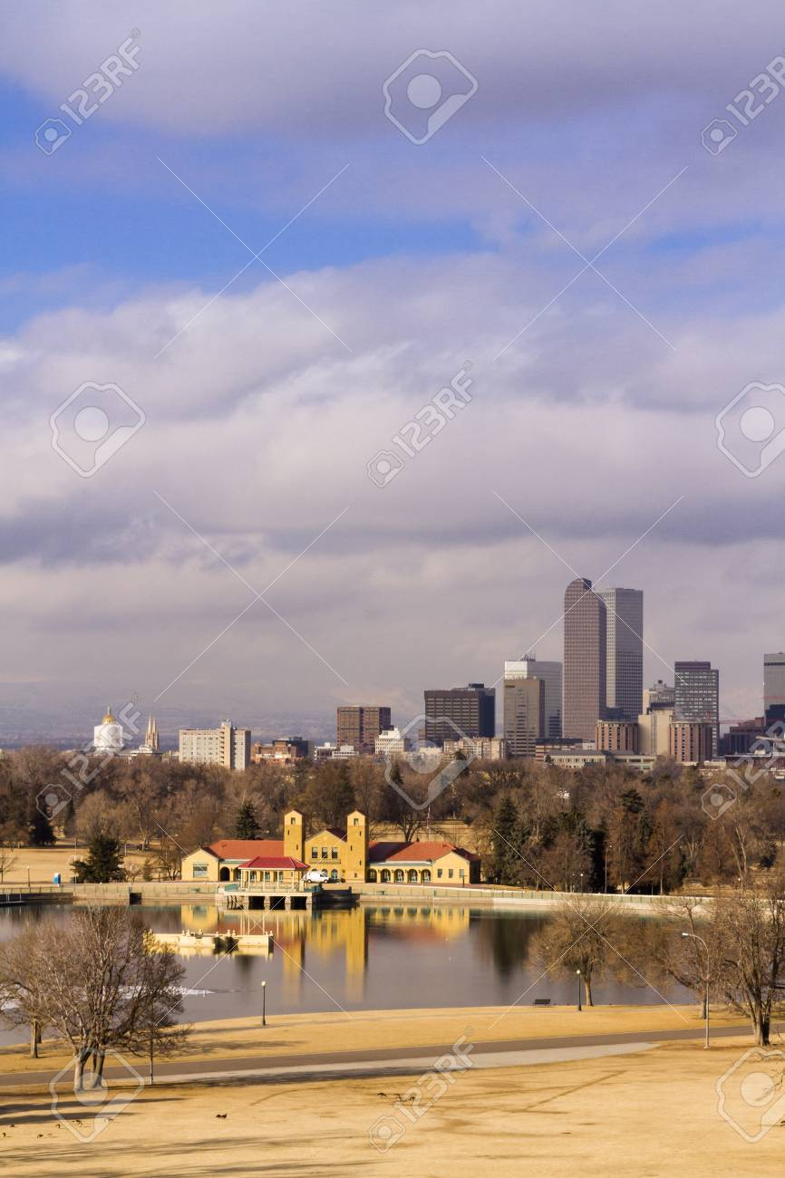 Denver skyline during the day in the Winter. Stock Photo - 17956610