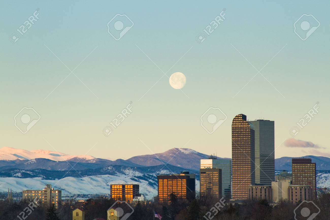A view of downtown Denver before sunrise. Stock Photo - 18154838