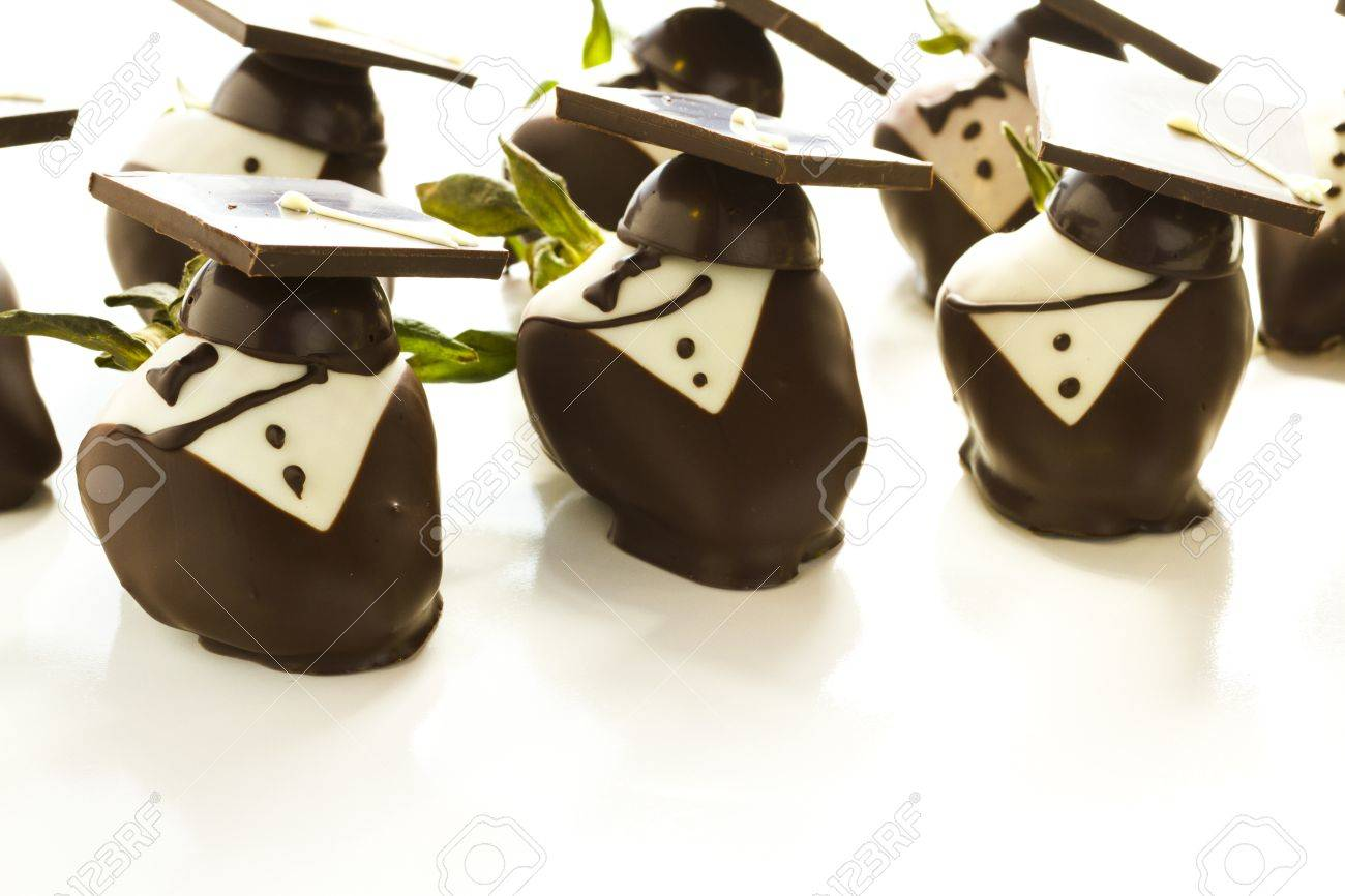 Gourmet Chocolate Covered Strawberries Decorated For Graduation ...