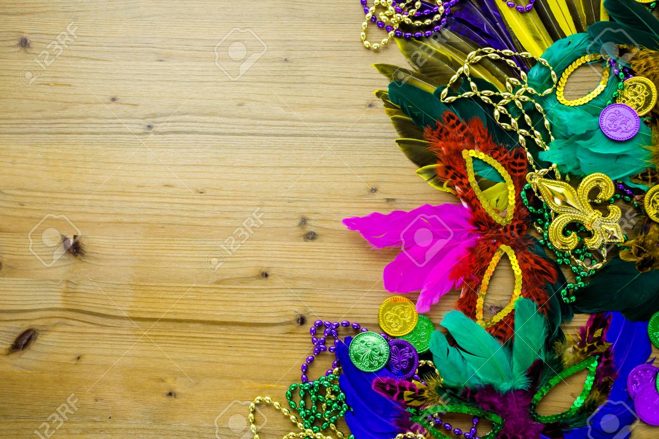 Table decorated for Mardi Gras party. - 36611074
