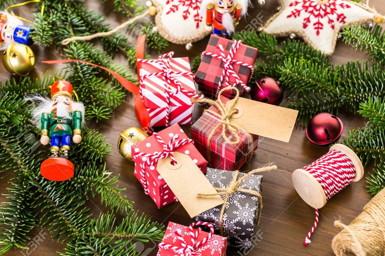 Verschiedene Pralinen In Kleine Schachteln Für Weihnachtsgeschenke ...