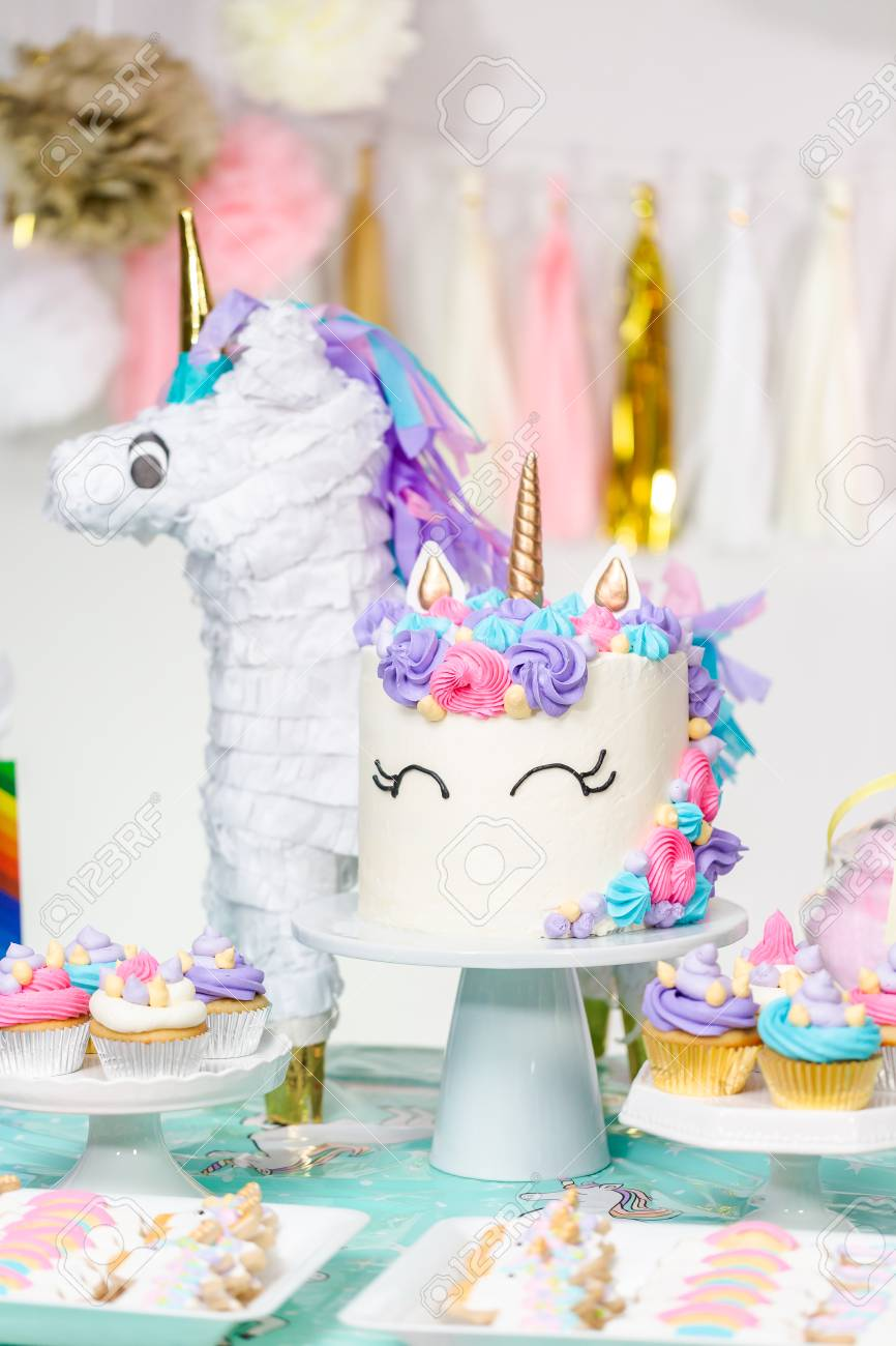 Excellent Little Girl Birthday Party Table With Unicorn Cake Cupcakes Funny Birthday Cards Online Ioscodamsfinfo