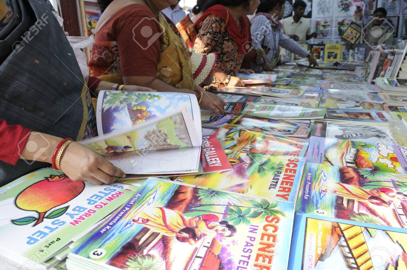 kolkata february 4 parents select drawing books for their kids
