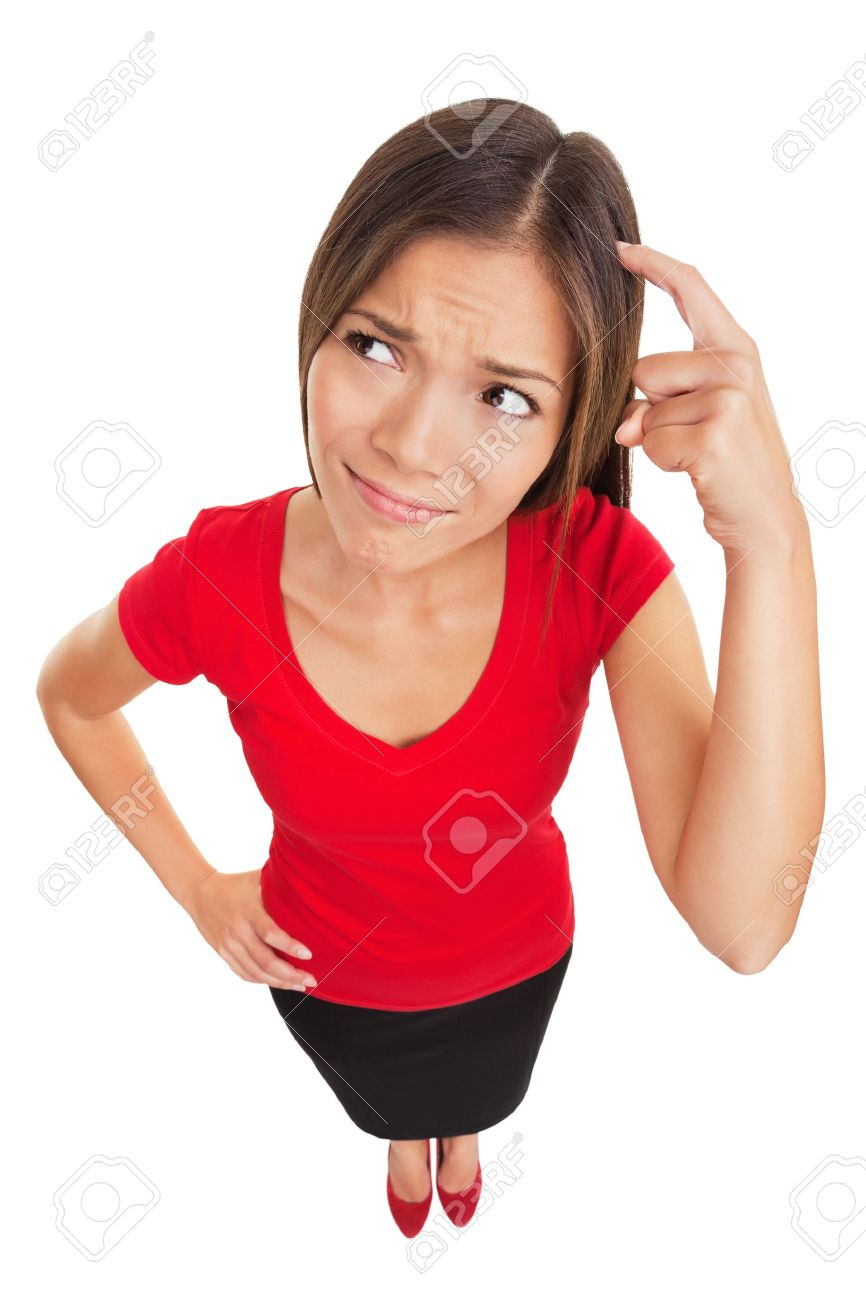 Gequetschte denkende Frau Lustig high angle Studio Portrait einer verwirrt und verwirrten Frau kratzt sich den Kopf, als sie eine Lösung auf weißem Hintergrund Multiethnic weibliche Modell isoliert sucht Standard-Bild - 18871933