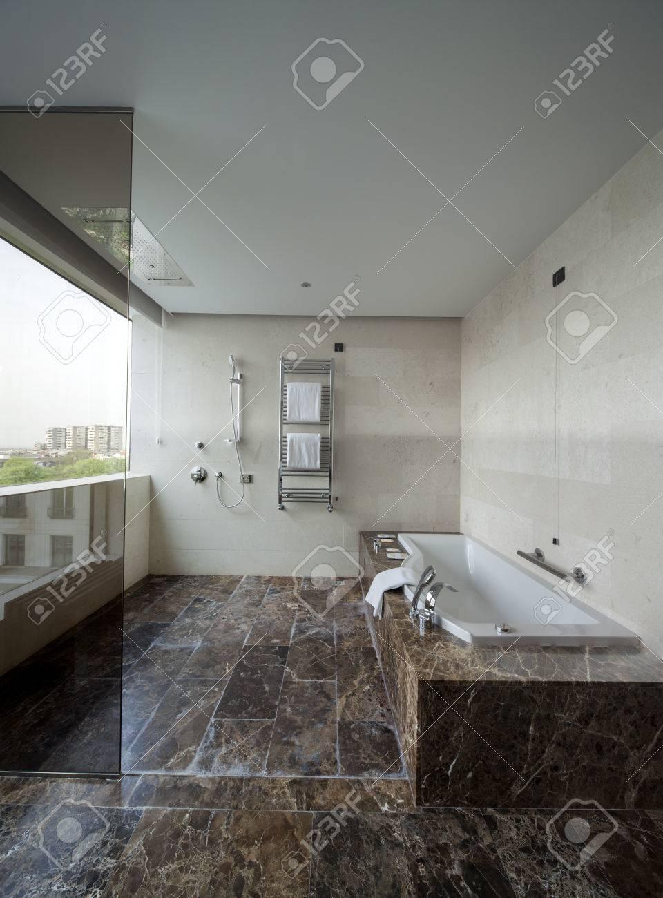 Favorit Moderne Badezimmer Interieur Mit Doppel-Waschbecken Und Große FV25