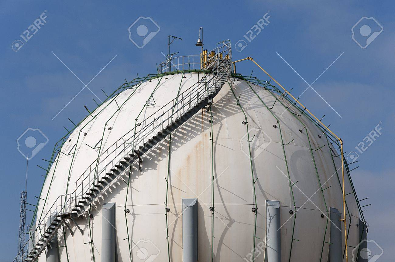 factory where you store butane butane canisters in a huge Stock Photo - 15707669