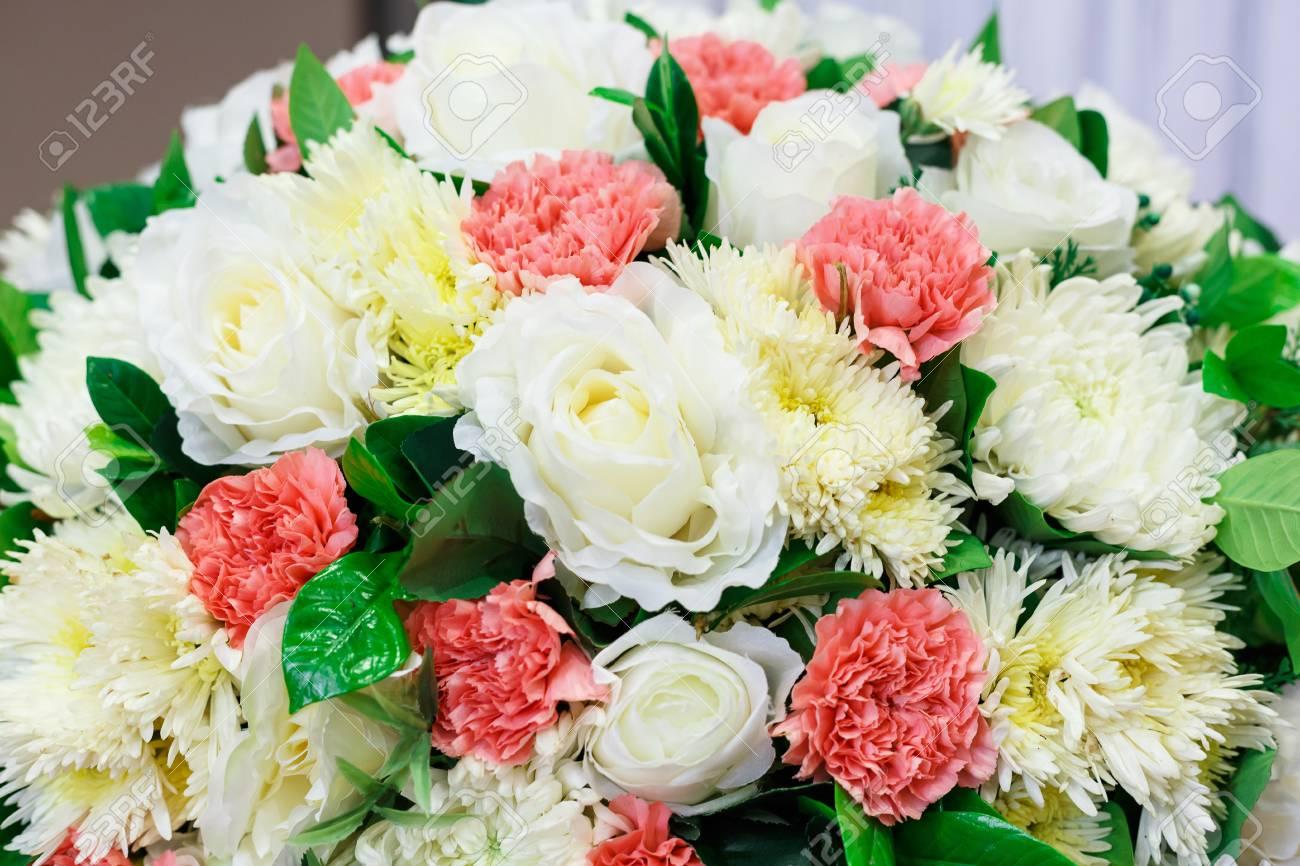Fleur Artificielle Pour La Decoration De Mariage Et De Fete Banque