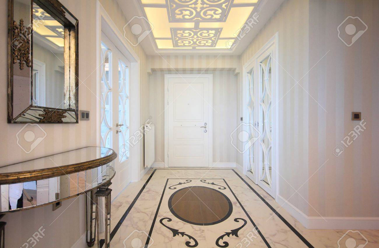 Enterance of luxury home Stock Photo - 20535070
