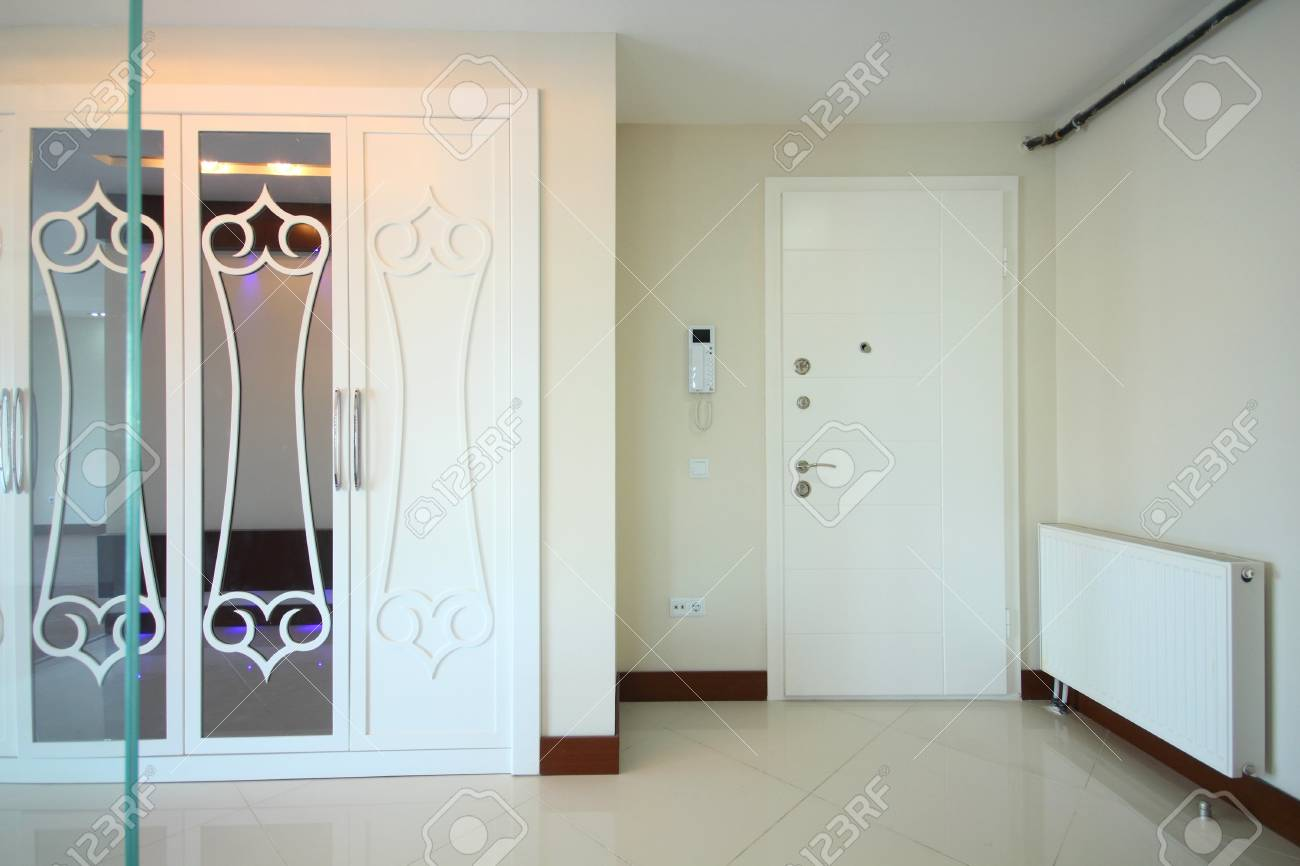 Enterance of a stylish home Stock Photo - 21144363