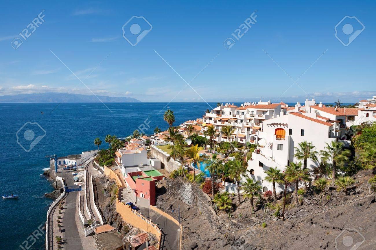 Vista De Puerto De Santiago Tenerife Islas Canarias Espana