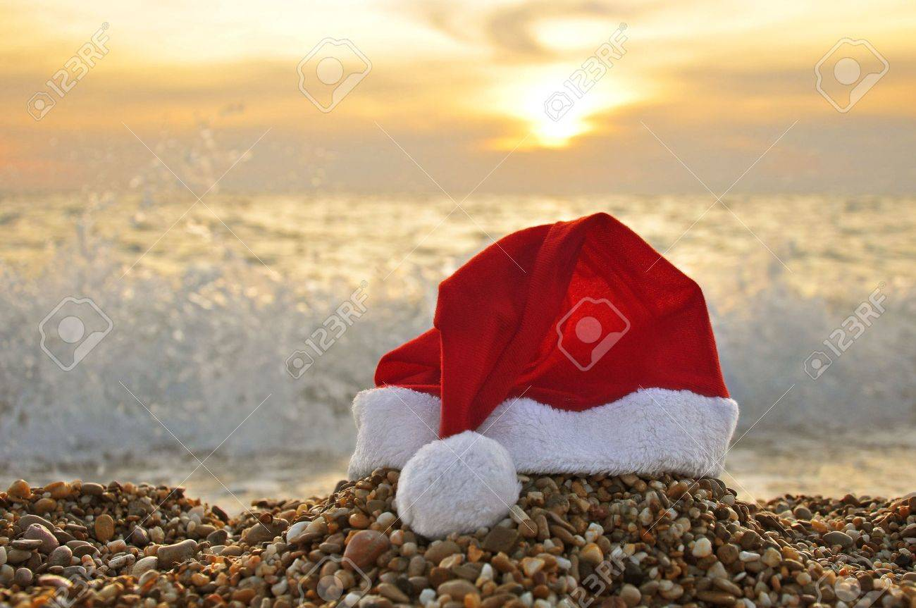 Santa Claus hat on the beach Stock Photo - 5542807