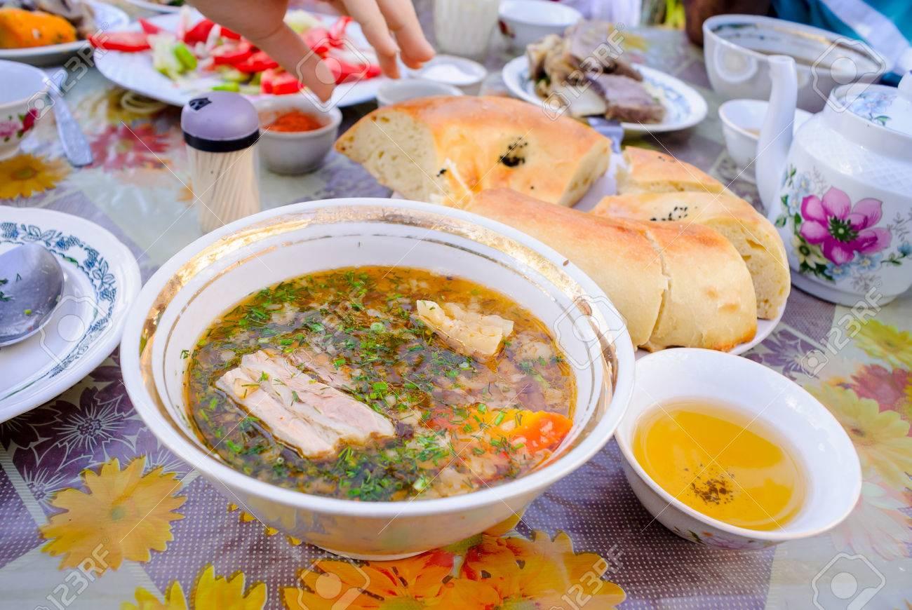Usbekische Küche | Shurpa Leckere Suppe Usbekische Kuche Selbstgemachtes Brot