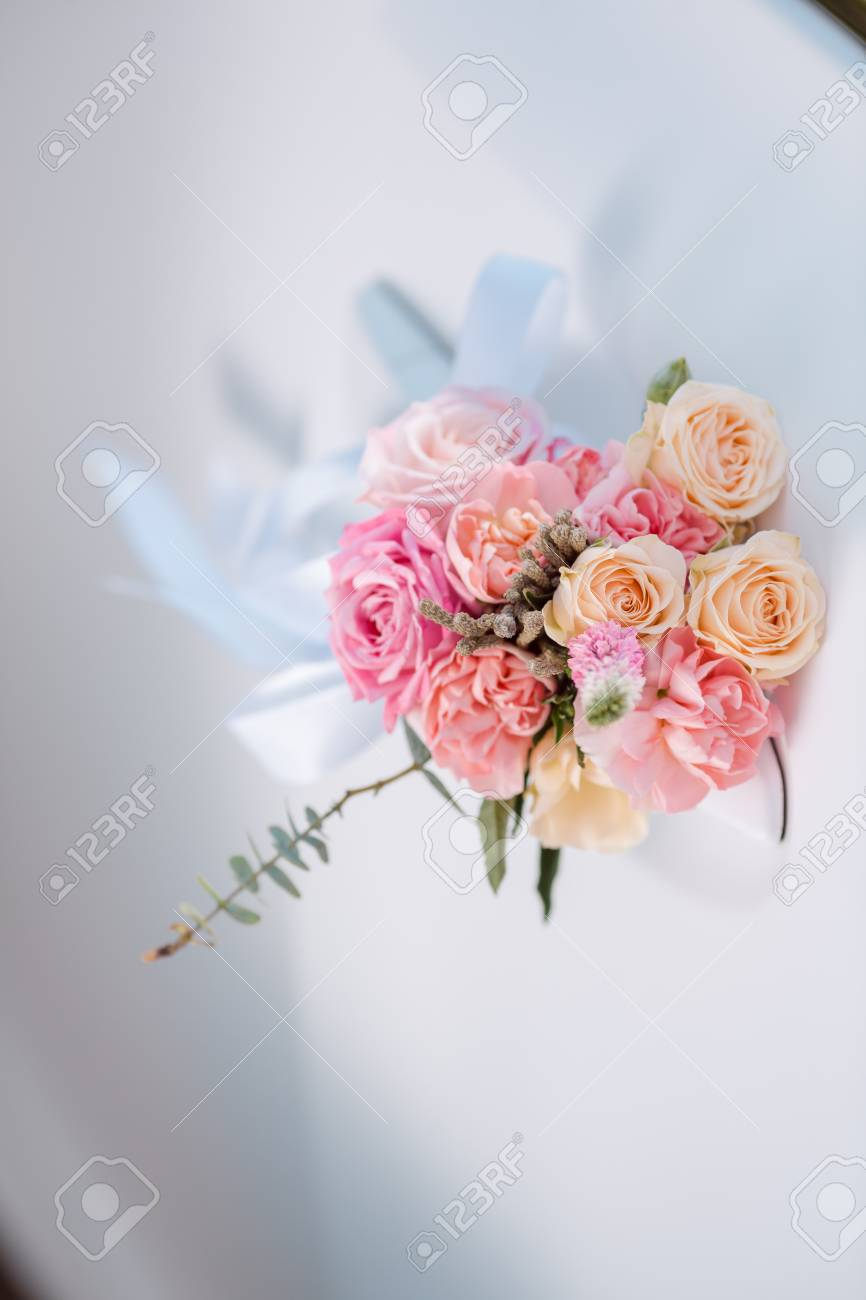 Wedding Car With Beautiful Decorations Of Pink And Orange Roses ...