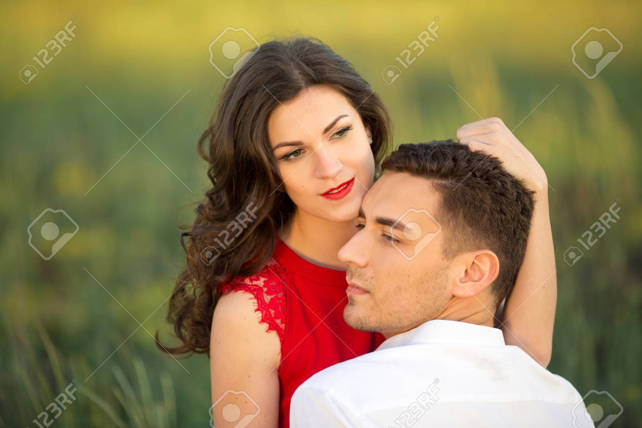 Fragen an einen Mann während der DatierungPerfektes Alter, um mit dem Dating zu beginnen