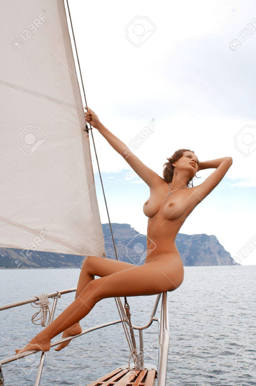 Nackt auf Yachten, Frische jungfräuliche Fickgalerien