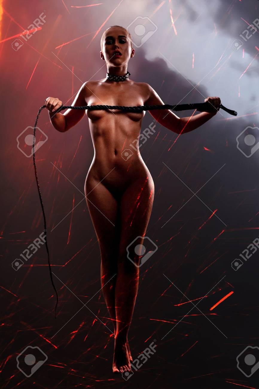 Nudist hrse riding