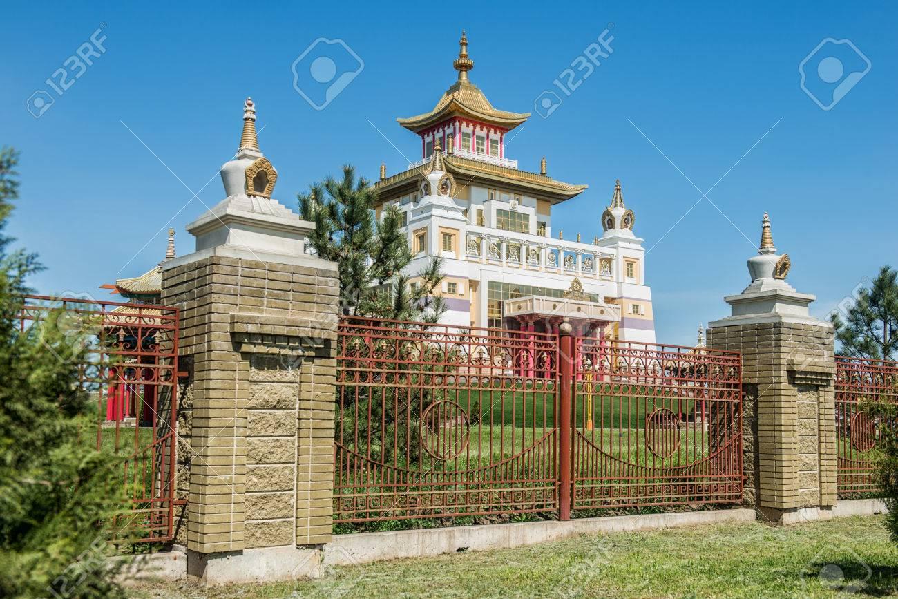 仏教の複雑な「ゴールデン アボ...