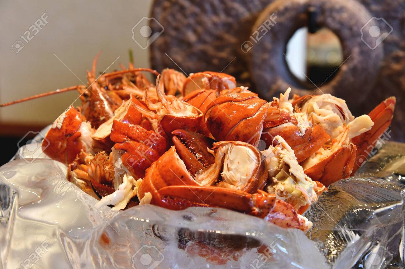 lobster seafood in buffet line seafood on ice cooked red lobster rh 123rf com red lobster buffet las vegas red lobster buffet camarones