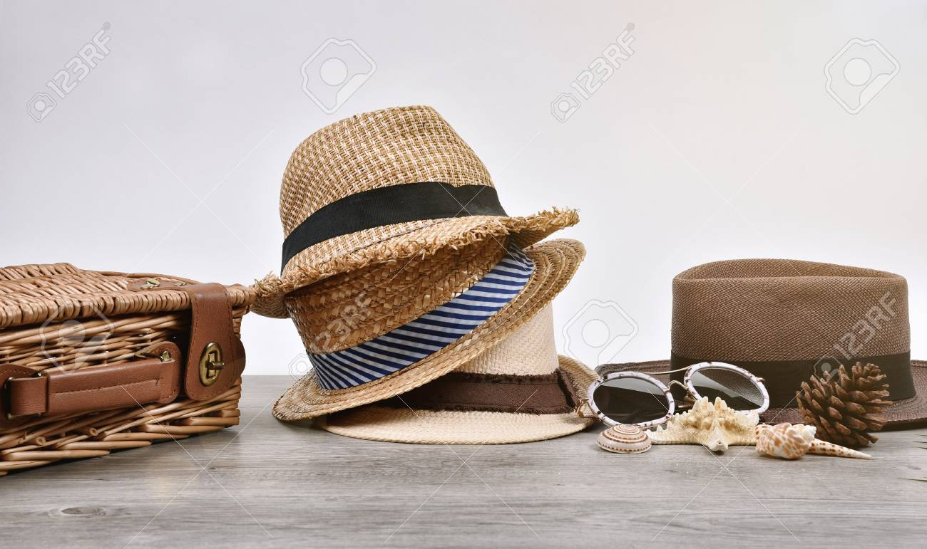 d5f28bd5 Stock Photo - Summer accessories and fashion, Set of straw hats, Different  type of style comparison.