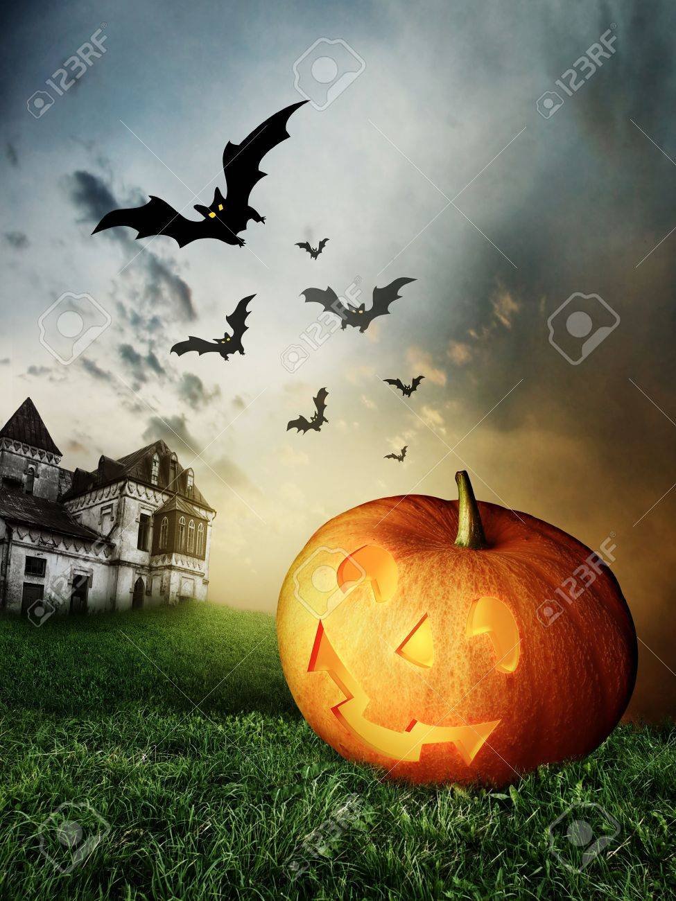 halloween Pumpkins and haunted house Stock Photo - 7978750