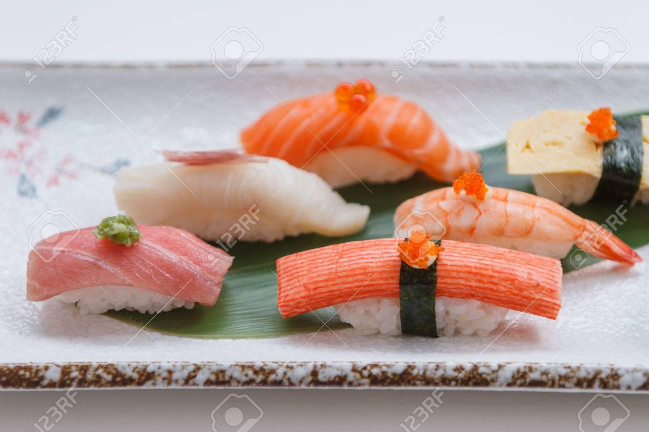 Sushi Set Include Maguro Hamachi Salmon Kani Shrimp Tamagoyaki