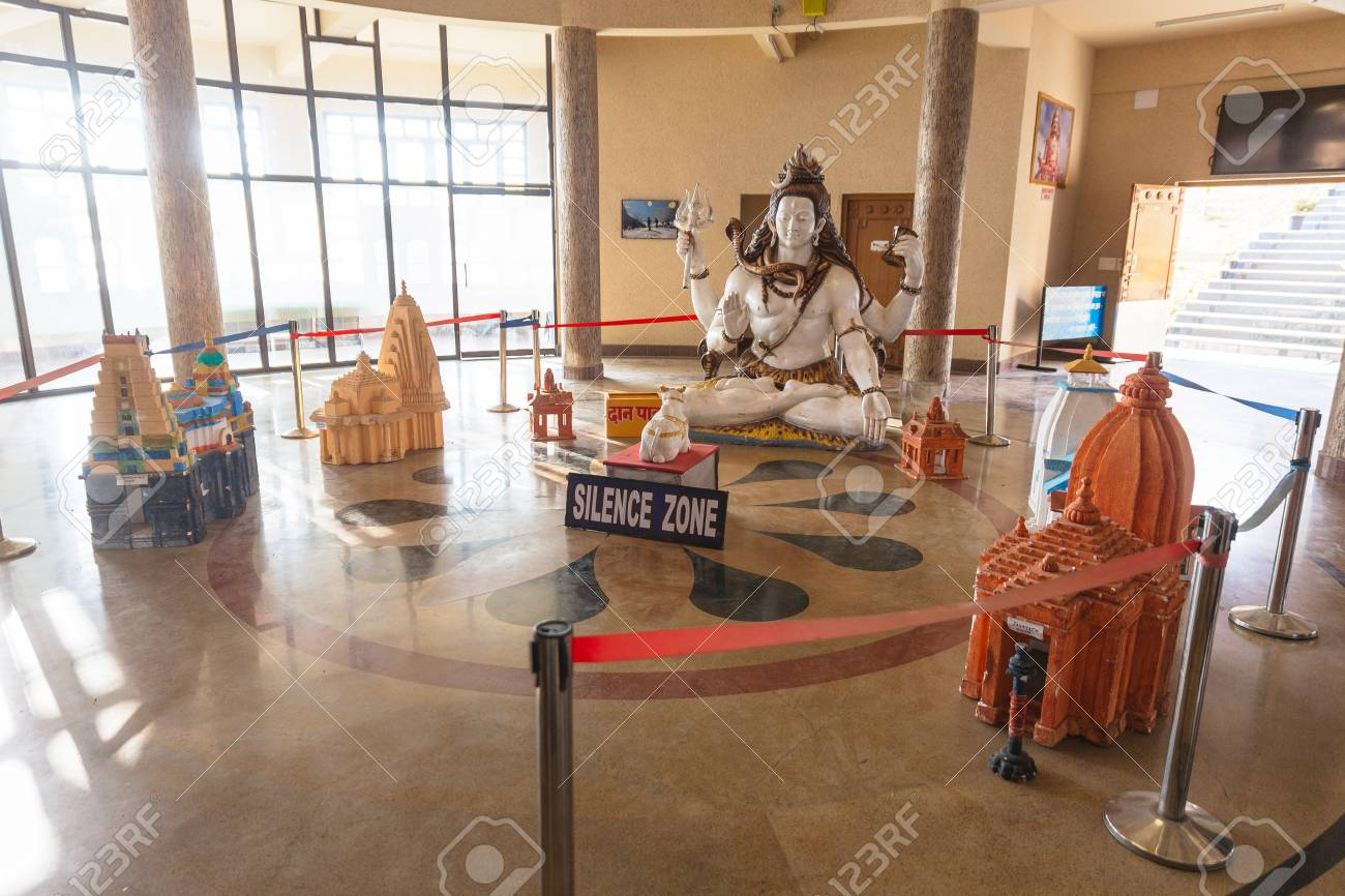 3D map with temple and Lord Shiva sculpture inside the entrance