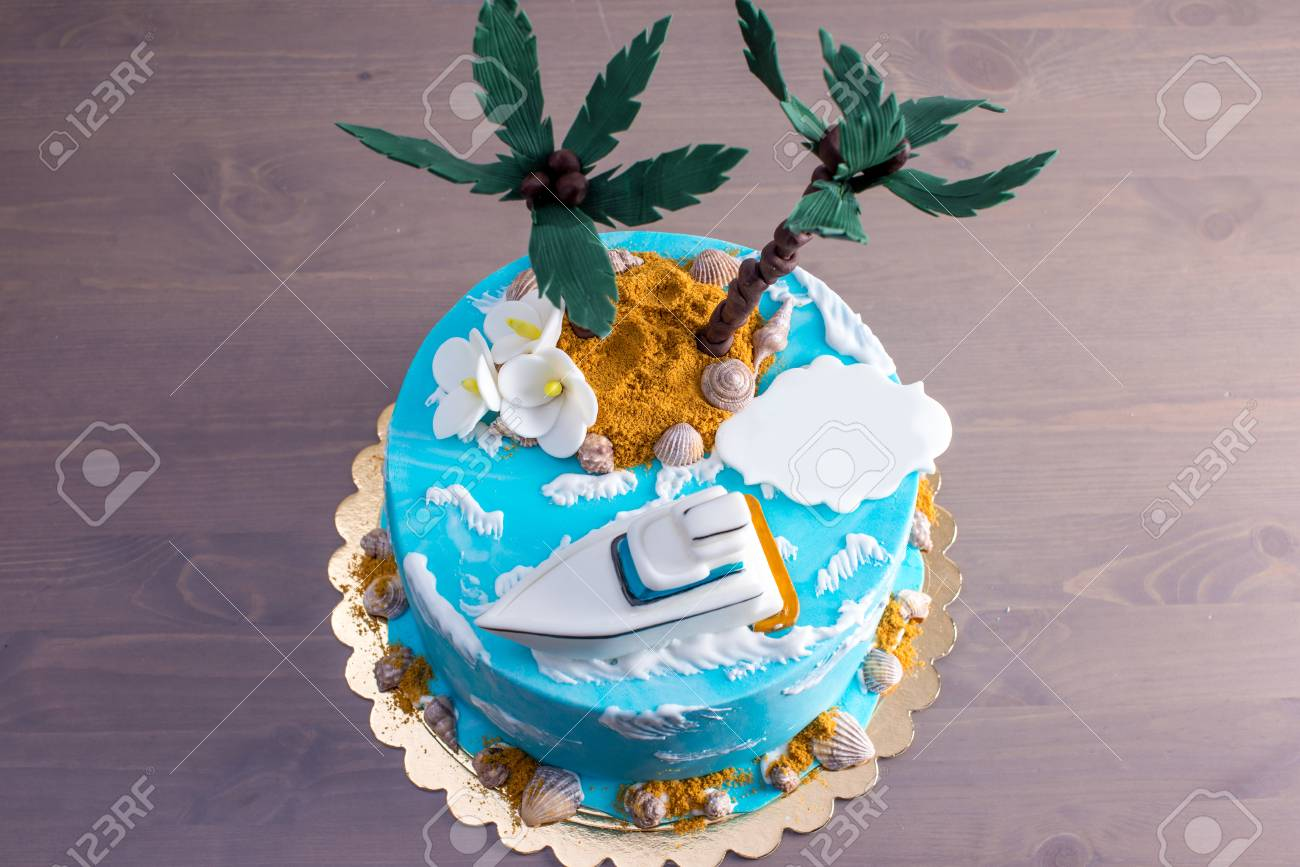 Cool A Beautiful Birthday Cake Decorated In An Island With A Palm Birthday Cards Printable Trancafe Filternl
