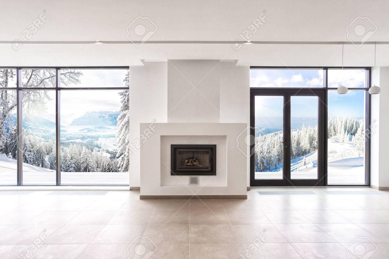 Moderne Zimmer Mit Panoramafenstern Wohn- Und Einem Weißen Kamin ...