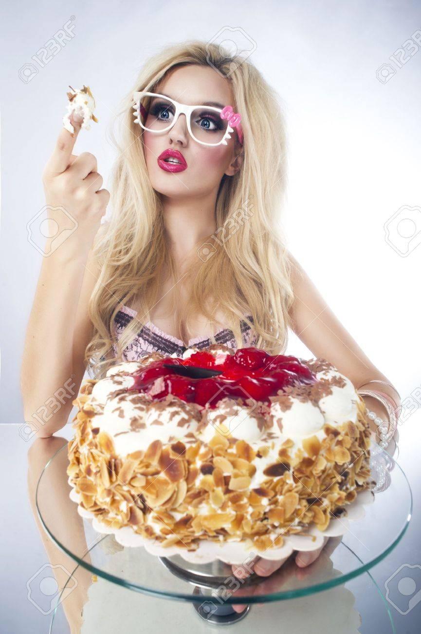 Sexy Lady Birthday Cake